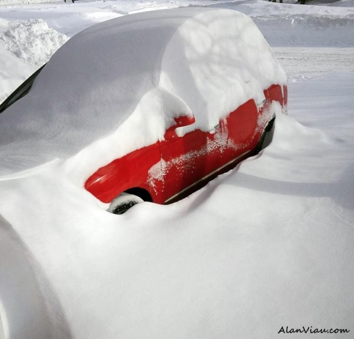 Car in Snow2
