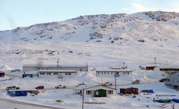 "The ""traffic minute"". There are no traffic signals in Iqaluit."